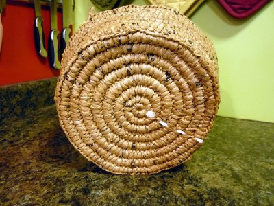 Reuse Inspiration: An Upcycled Basket (Made from Plastic Bags!)