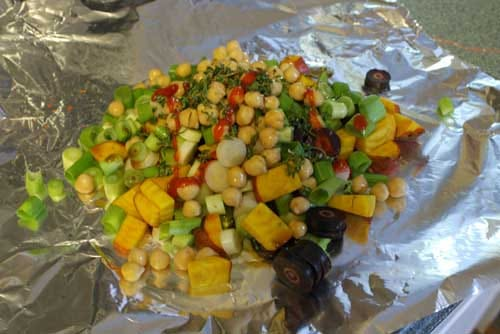Vegetarian Hobo Dinner with Chickpeas and Green Onions