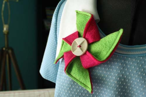 make a pinwheel brooch