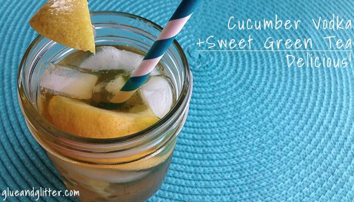 A spiked mason jar iced tea recipe. Y-U-M!