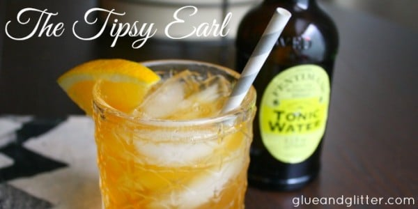 I love a good tea cocktail, and this Earl Gray-infused gin situation is simple and super delicious!