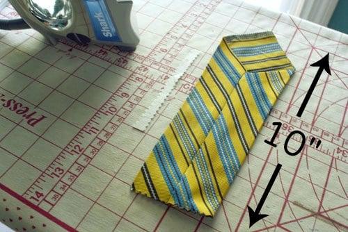 How to Store Scissors in an Old Necktie