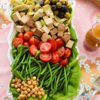 Vegan Nicoise salad: a is beautifully composed salad of French origin that looks fancy but is incredibly easy to make.