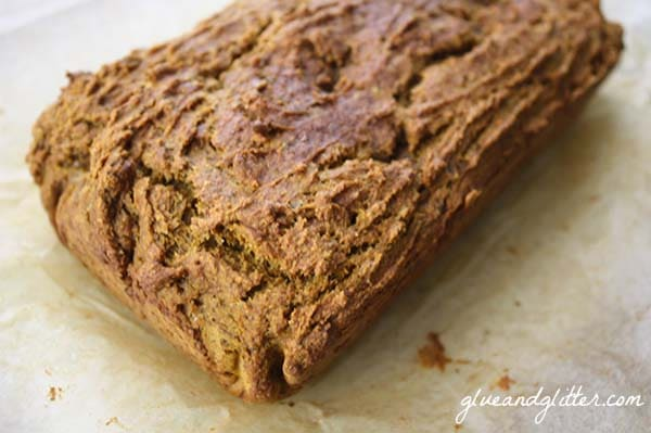 Deeply seasoned pumpkin banana bread recipe is just the ticket for easy breakfasts on the go.