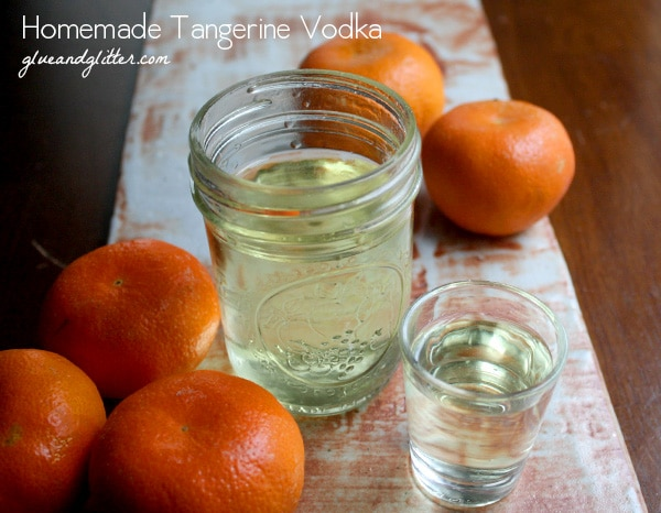 Tangerine infused vodka is so easy to make, y'all. Let's infuse some booze!