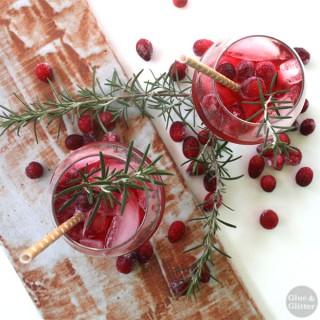 Ginger Cranberry Fizz (cocktail or mocktail)