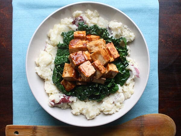 Creamy smashed potatoes with heaps of garlicky kale topped with plenty of BBQ baked tofu. A big bowl of comfort food, if ever I ate one!