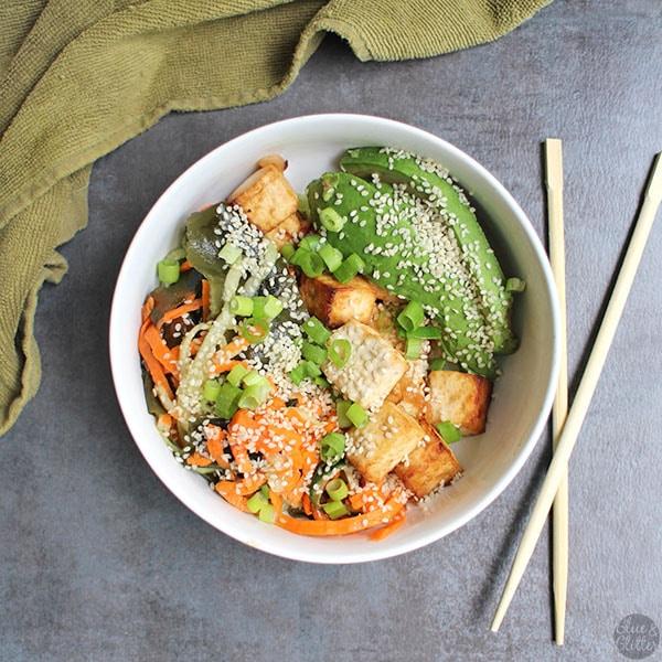 bowl of easy seaweed salad with sesame seeds sprinkled on top