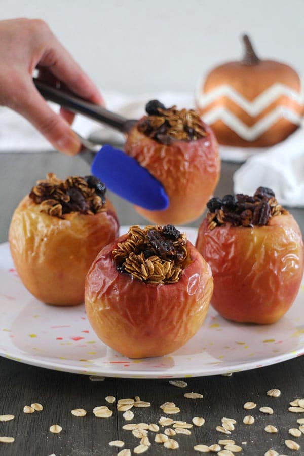 serving baked apples on a tray
