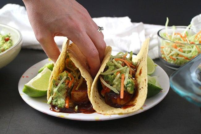 https://www.glueandglitter.com/wp-content/uploads/2018/12/BBQ-Tofu-Tacos.jpg