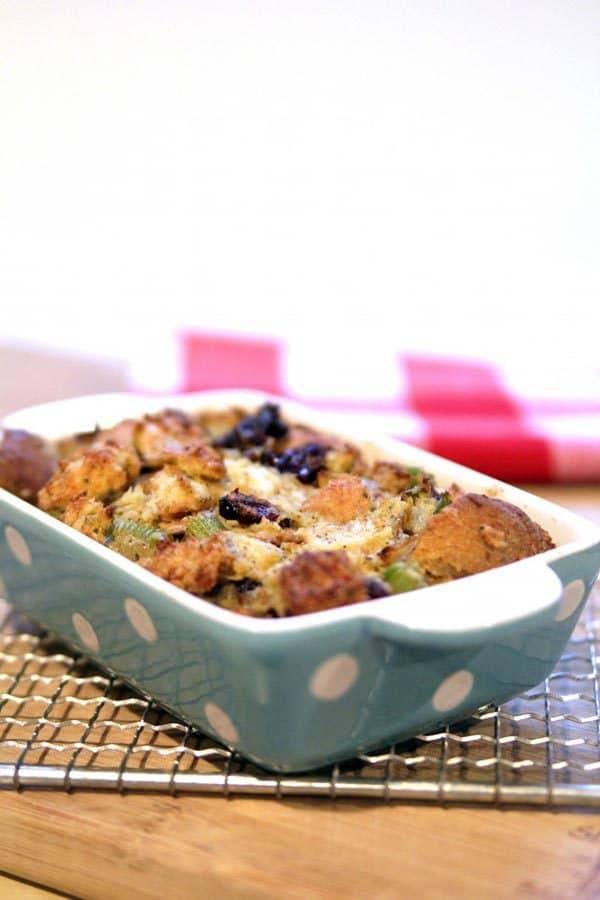 pan of vegan thanksgiving stuffing