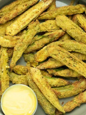 serving platter of air fryer okra