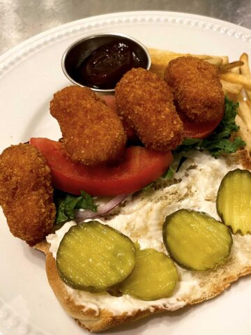 buffalo hoagie with dill pickle chips